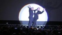 """Alain Chabat et Gérard Darmon dansent la carioca pendant la projection de """"La Cité de la peur"""" à Cannes"""