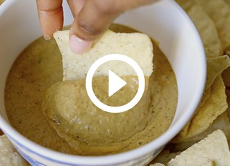 How to Make Spicy Vegan Queso Dip That Tastes Like the Real Deal