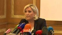 """Marine Le Pen juge """"le comportement d'Emmanuel Macron très grave"""", à une semaine des européennes"""