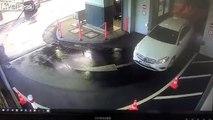 Elle sort du carwash.. et détruit sa voiture immédiatement !