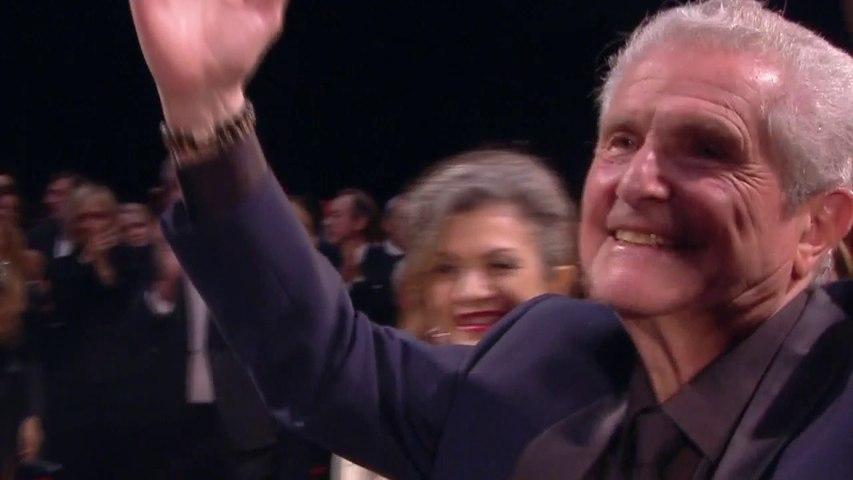 Ovation pour l'équipe du film Les plus belles années d'une vie - Cannes 2019