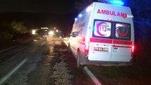 Otomobillerin kafa kafaya çarpıştığı feci kazada 1 kişi öldü 4 kişi yaralandı