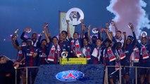 Les champions fêtent le titre