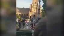 Susto en Sevilla: un niño queda atrapado por la cabeza