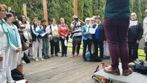 Les choristes apprennent à chanter en canon au festival du chant choral amateur de Montpellier