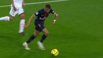 Paris Saint-Germain v Dijon FCO: Kylian Mbappé skills