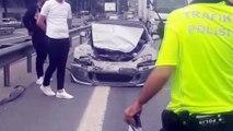Küçükçekmece'de zincirleme trafik kazası: 1 yaralı - İSTANBUL