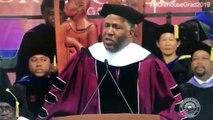 Le milliardaire Robert F. Smith annonce qu'il efface la dette de 400 diplômés de l'université Morehouse d'Atlanta (Géorgie)