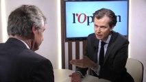 «Il y a un côté faussaire et imposteur chez Emmanuel Macron», juge Guillaume Larrivé (LR)
