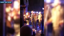 Pep Guardiola se lâche sur scène lors de la célébration des titres
