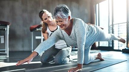 Fit in jedem Alter: Diese 5 Übungen machen es möglich!