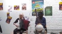 Morceau de Hand Pan et d'accordéon par le groupe Undigo