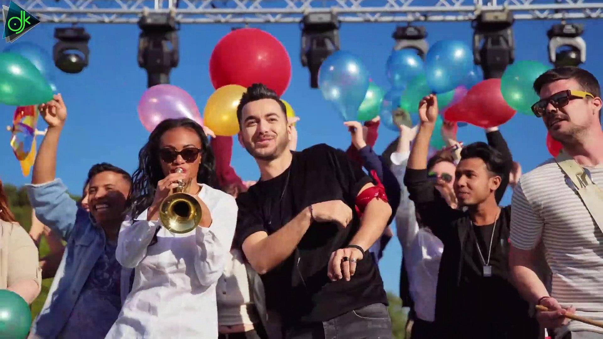 Κωνσταντίνος Κουφός - Στα Καλύτερα [At The Best - Ovo Je Balkan] (Official Music Video)