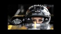 Cette pilote saoudienne fête la fin de l'interdiction de conduire au volant d'une F1