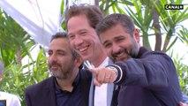 Reda Kateb, Vincent Cassel, Olivier Nakache et Eric Tolédano prennent la pose pour Hors normes - Cannes 2019