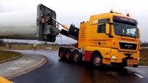 Transport d'une éolienne sur la route : la camion est impressionnant