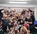 L'explosion de joie des joueurs Toulonnais dans le vestiaire, à Castres !