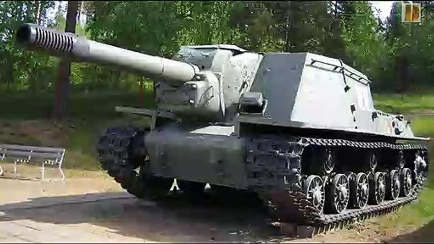 Blindés-56-ISU 152 et 122