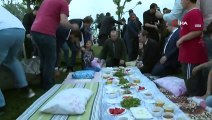 Cumhurbaşkanı Erdoğan, Sahilinde Vatandaşlarla Çay İçti