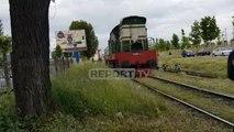 Kufjet marrin në qafë të miturin në Durrës, përplaset nga treni, në gjendje të rëndë në spital