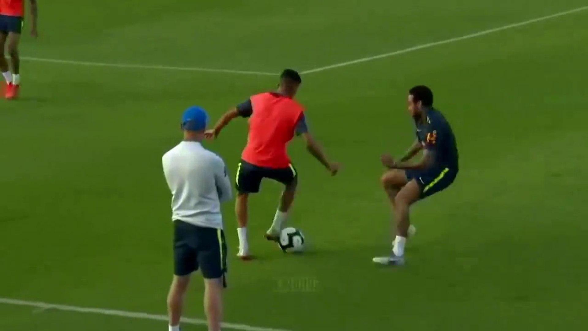 Neymar toma CANETA incrível no treino da Seleção