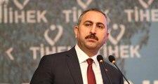 Hakimin, avukatın etek boyuna karışmasına Adalet Bakanı'ndan ilk yorum