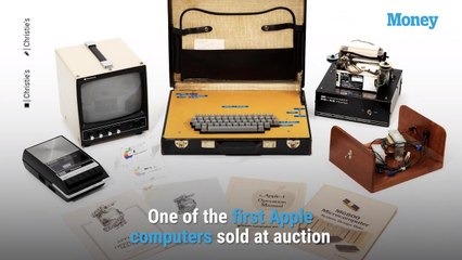 One of the Very First Apple Computers Just Sold at Auction for Close to $500,000 — Take a Look