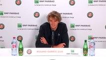 Alexander Zverev urges fans to get behind him after reaching French Open 3rd round