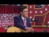Ramón Montoya tocando la guitarra y cantando en Premios Fama | Premios Fama