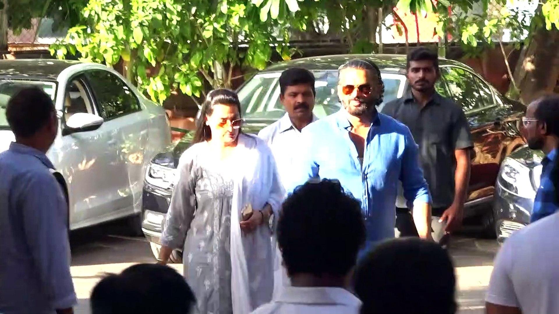 Big B, Salman Khan and Other at Prayer Meet of Shree Veeru Devgan