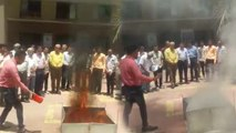 सूरत अग्निकांड के बाद सरकार ने मंगाई खास बॉल, इससे 6 सेकेंड में बुझाई जा सकेगी आग, देखें वीडियो