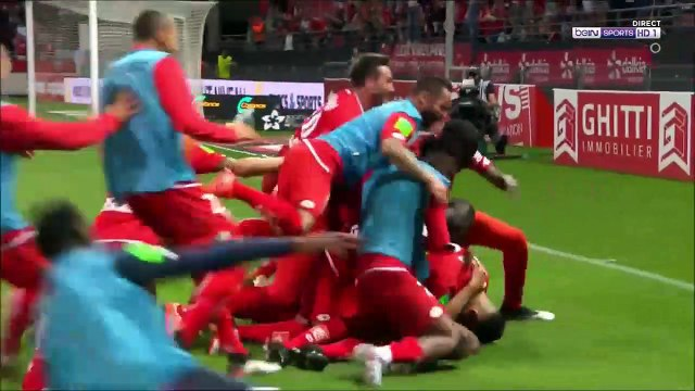 Steven Fortes with a horror clash with his own keeper vs Dijon