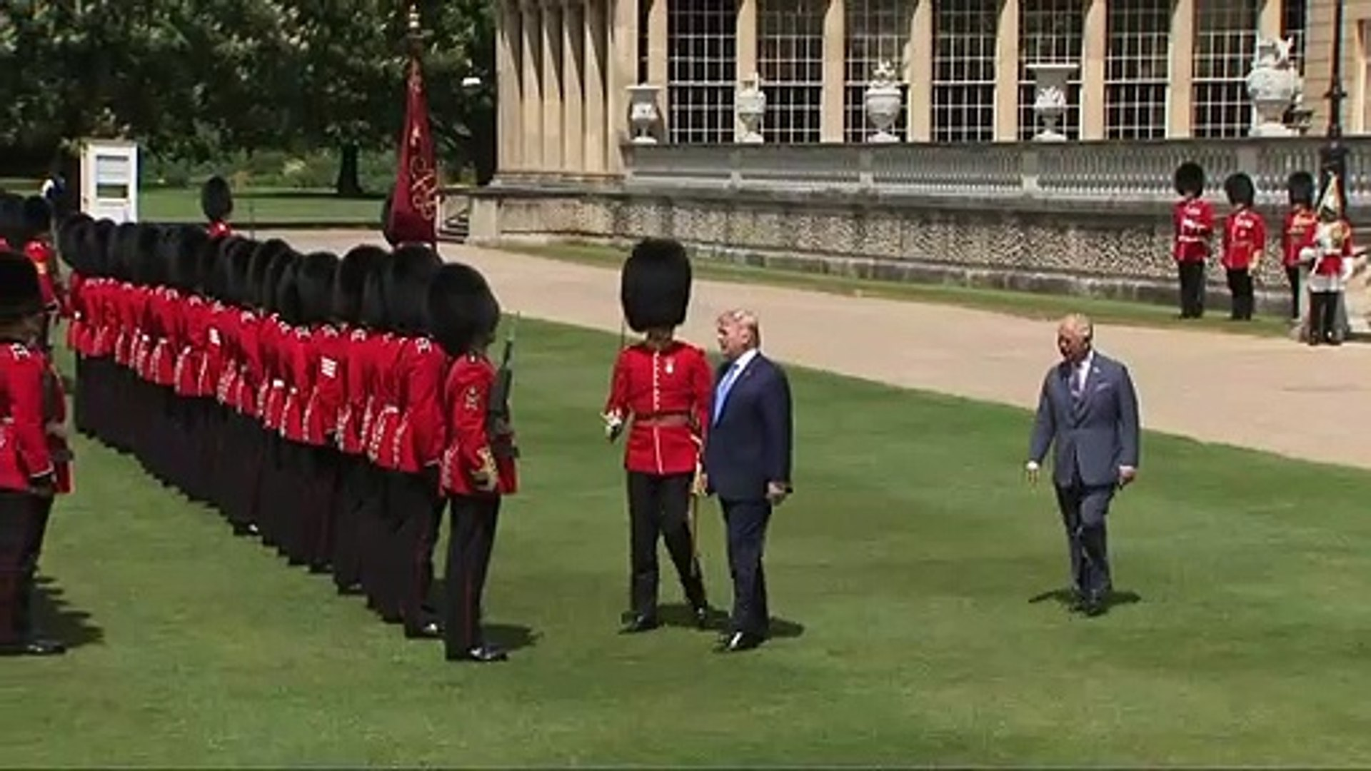 Trump inspects Guard of Honour at Buckingham Palace