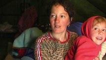 Apeli i nënës me dy fëmijë: Tërmeti na nxorri në rrugë - News, Lajme - Vizion Plus