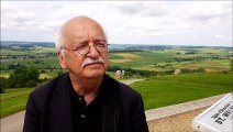 Erik Orsenna dans les Ardennes écrit un livre sur le cochon