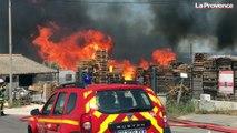 Châteauneuf-les-Martigues : un feu de palettes dégage une forte fumée
