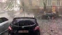 Un violent orage accompagné de très gros grêlons, a touché Zalău en Roumanie