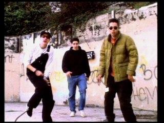 Beastie Boys - Pass The Mic