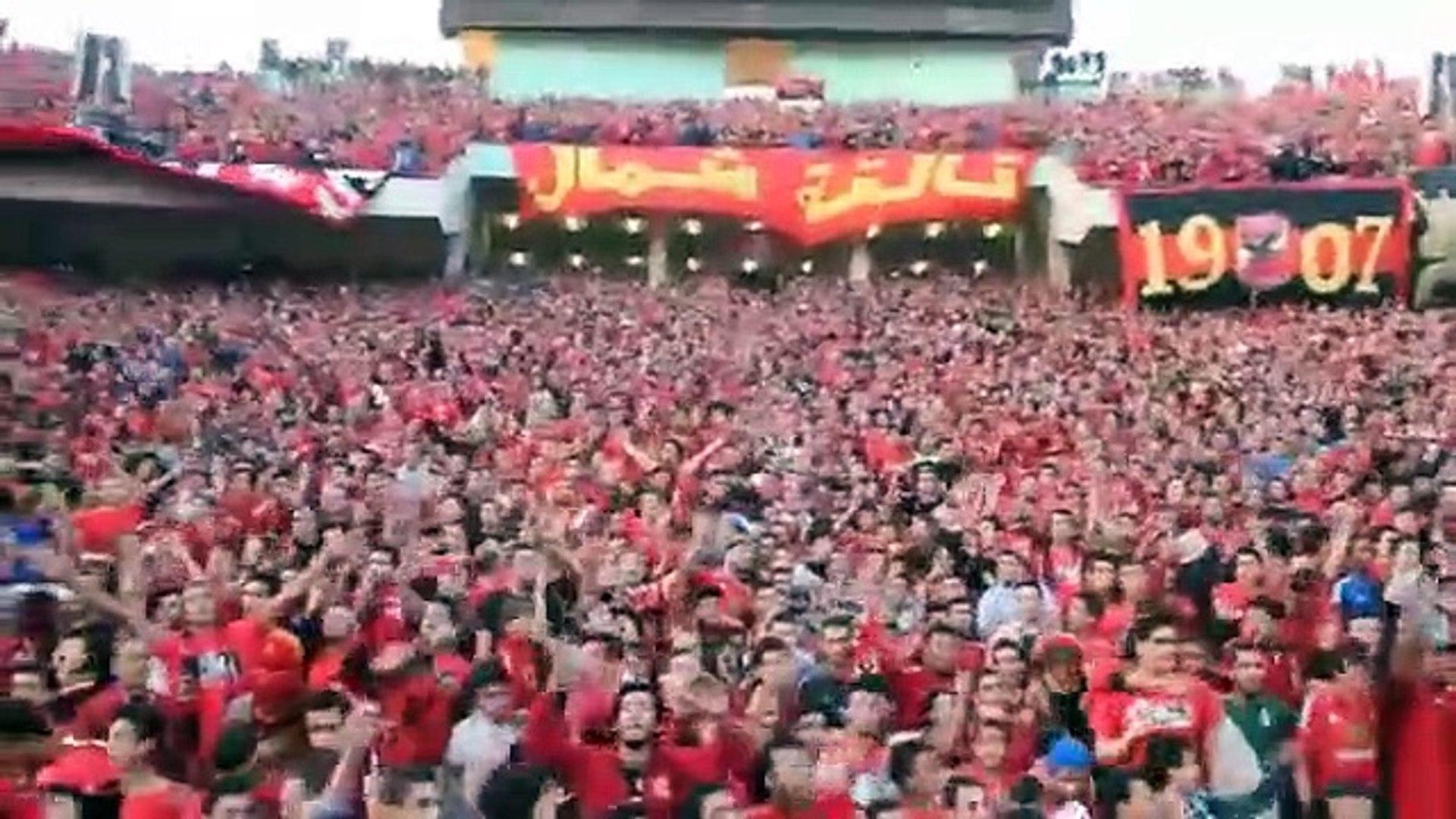 اغنية التالتة شمال.. بتهز استاد برج العرب قبل الهدف الثاني في الترجي .. اسمع صوت الجمهور
