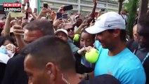 Rafael Nadal fait un gros câlin à une jeune fan à Roland-Garros, la vidéo buzz