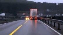Un conducteur très chanceux face à un camion