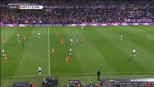 Netherlands [2]-1 England - Walker bizarre own goal