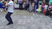 رقص فتاة شيشانية في حفلة واااو