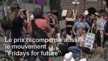 Thunberg réagit après avoir reçu un prix d'Amnesty International