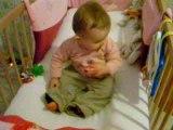 Bébé se met debout