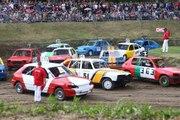 Illzach : voitures, poussière et moteurs hurlants avec le stock-car