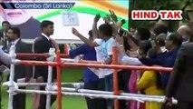 PM Modi greets Indian diaspora after his address at India House in Colombo #pmmodi #Srilanka #Indian