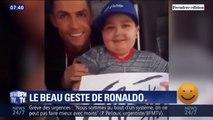 Depuis le bord de la route, un enfant demande un câlin à Ronaldo qui s'arrête pour lui offrir