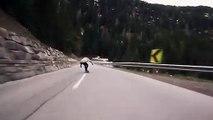 Descente à fond en longboard au milieu des voitures sur une route de montagne !