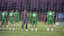 Mahrez talks and trains with Algeria at AFCON training camp in Doha